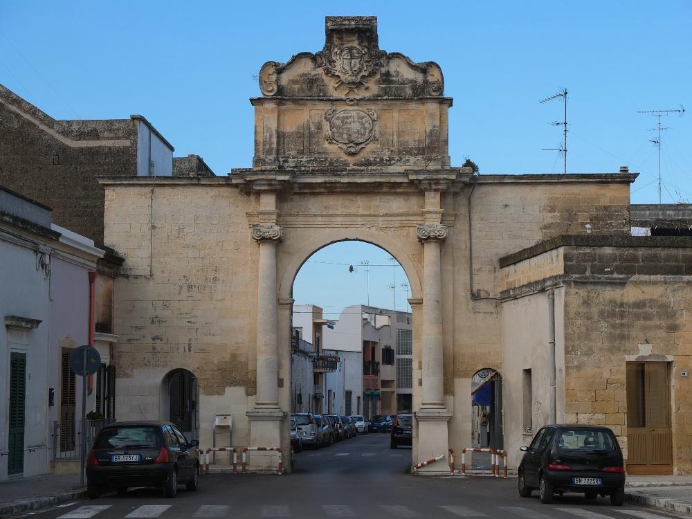 Strada provinciale Lecce - Martano. Natale 2012.